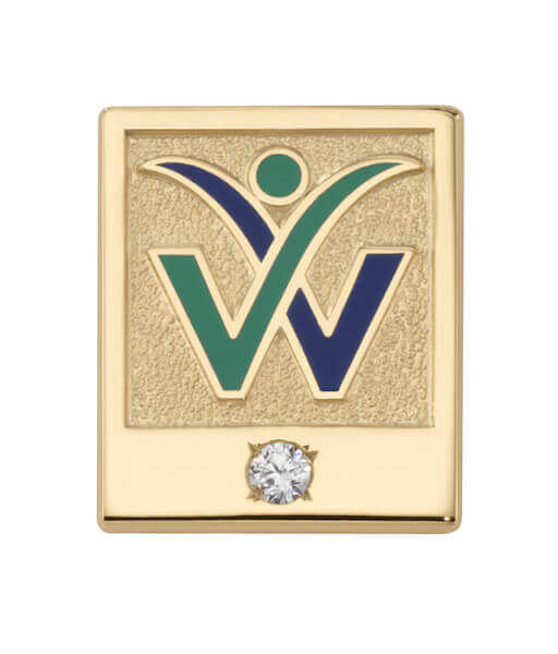 gold pin with one diamond